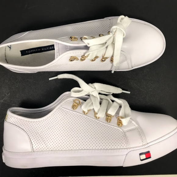 02c783abe Tommy Hilfiger Women s Sneakers White Gold Size 10. NWT. Tommy Hilfiger.  M 5b2ee7dfc89e1d0b095f48f7. M 5b2ee7df9fe486ebc8ec23fa.  M 5b2ee7df5c44523e2930b839